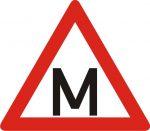 Uzlīme - mācību automašīnas apzīmējums (M)