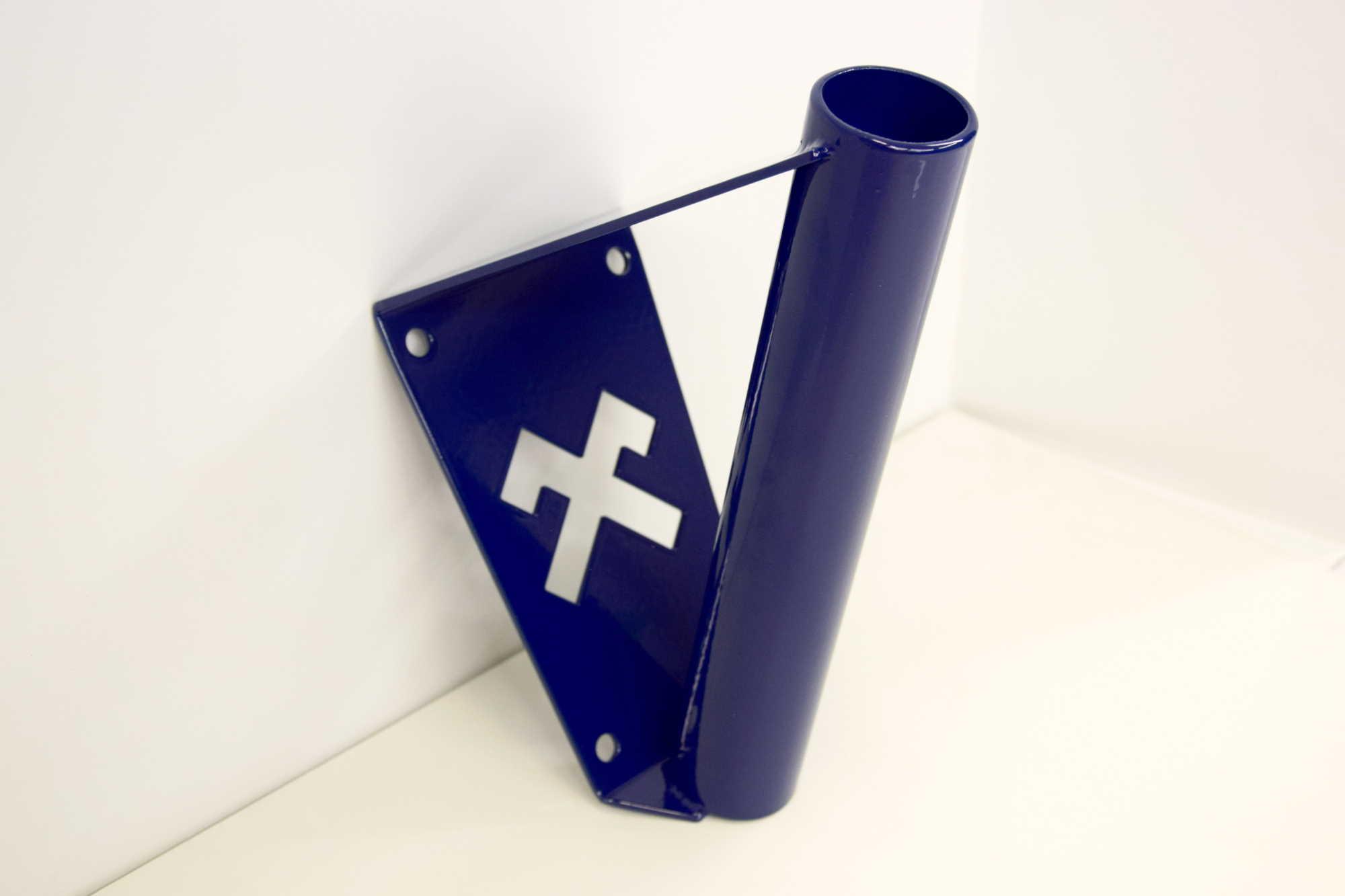 Zils karoga masts ar Jumja zīmi