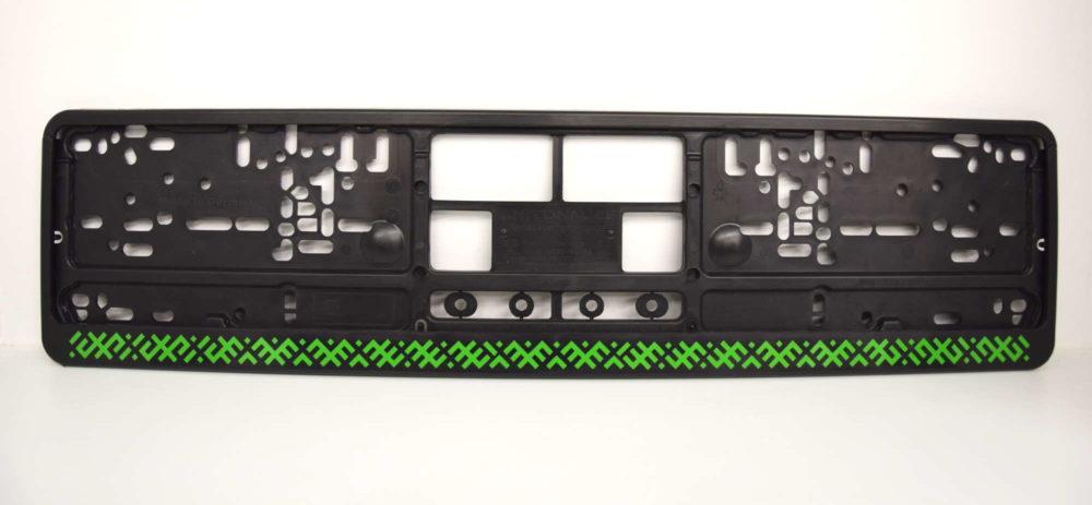 LATSIGN Auto numura turētājs ar latvju rakstiem zaļā krāsā