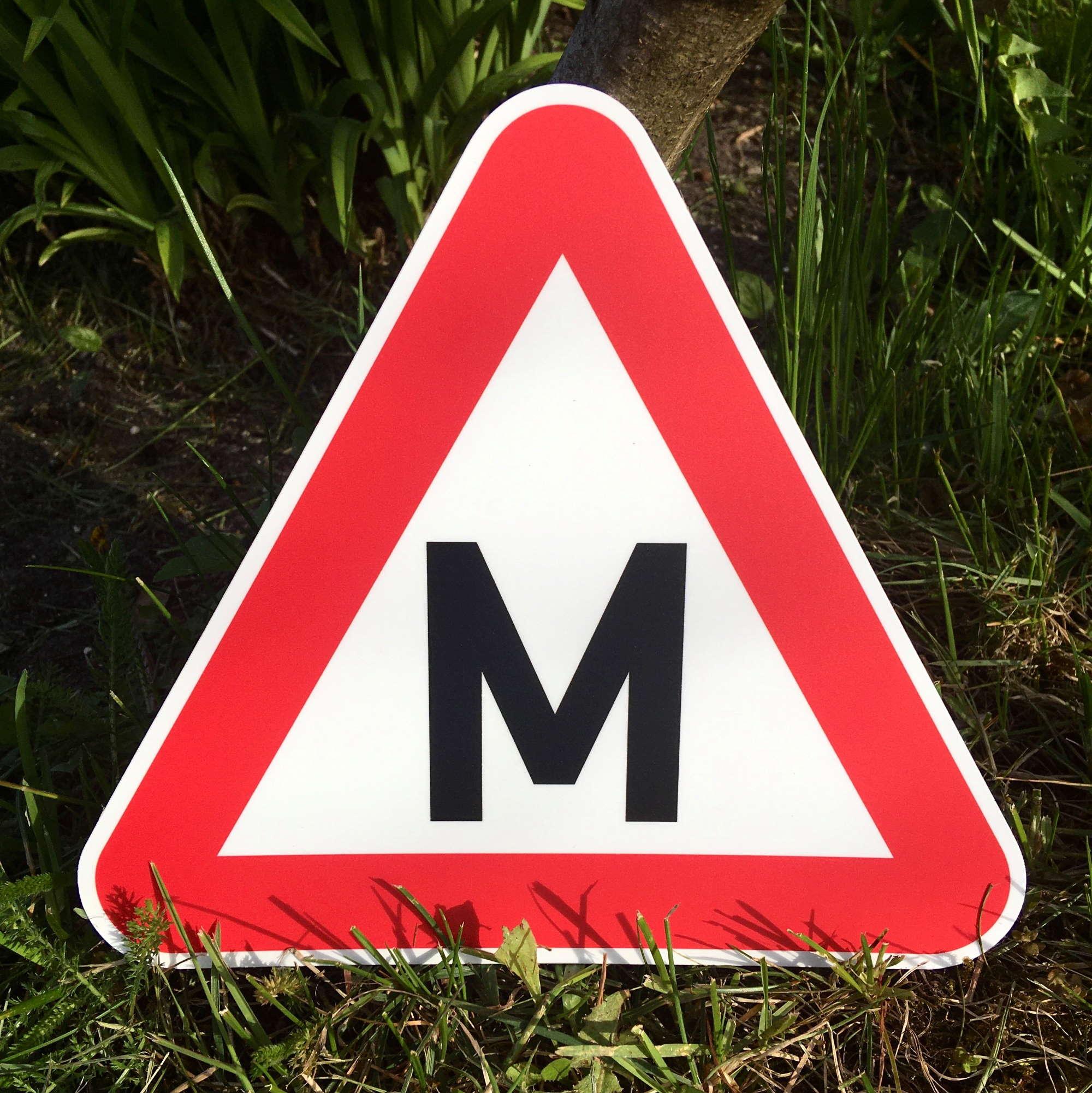 LATSIGN Plastikāta zīme braukšanas mācību transportlīdzeklim - auto